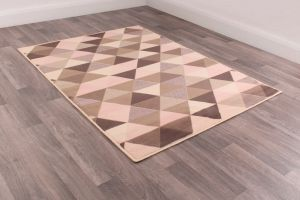Modern Poly Triangle Ivory Rose Rug by Rug Style