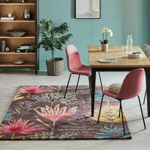 Yasuni 040405 Cerise Handtufted wool Rug by Harlequin
