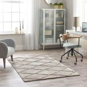 Maison 7863A Light Grey White Geometric Rug by Mastercraft